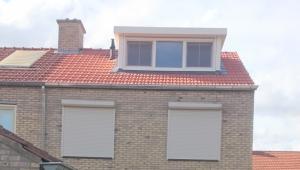 Dakkapel plaatsen en dakvernieuwing te Swalmen